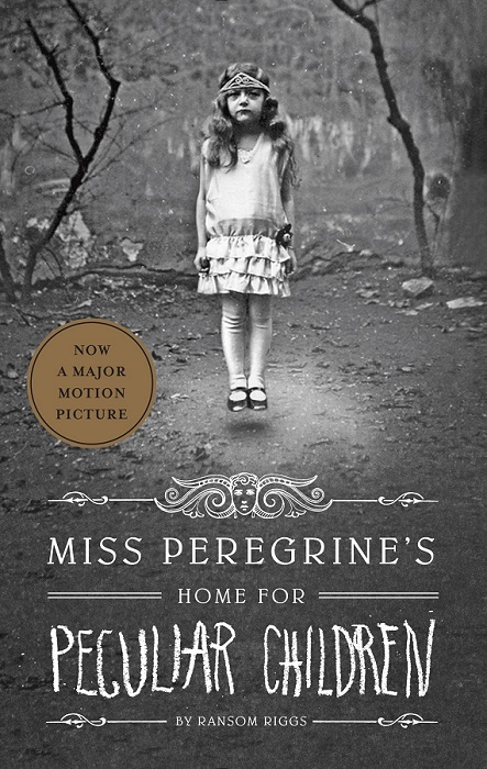 Book cover of Miss Peregrine's Home for Peculiar Children by Ransom Riggs